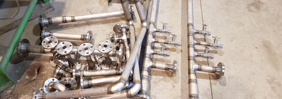Donzelli Sauro Lavorazione inox, ferro, titanio e metalli vari.